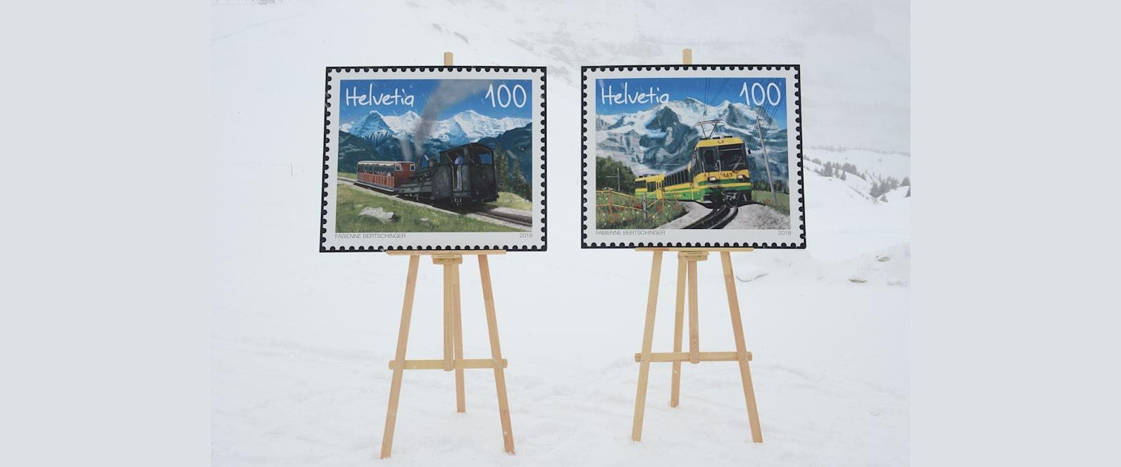 Die Briefmarken vor der Schneekulisse
