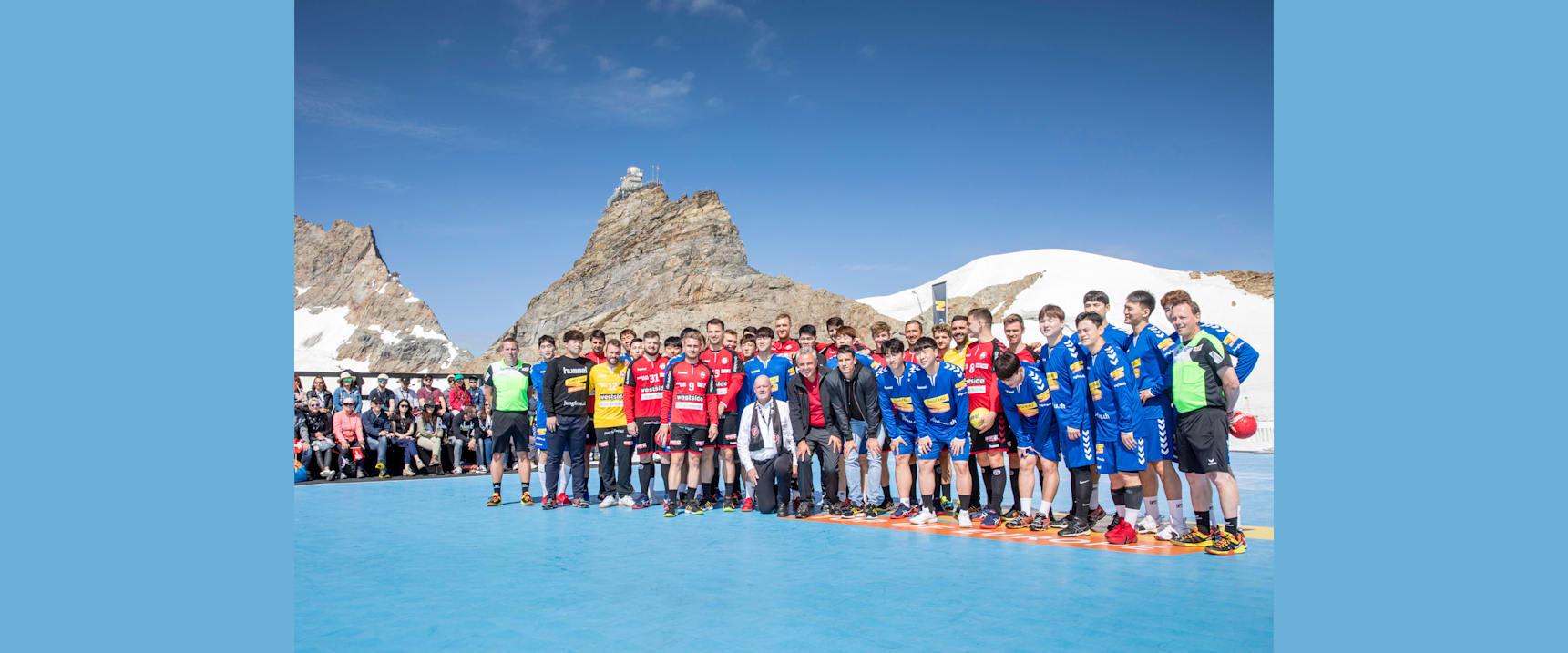 Handball 5 BSV Bern und Koreanische Nationalmannschaft mit Andy Schmid Urs Kessler und Peter Roethlisberger