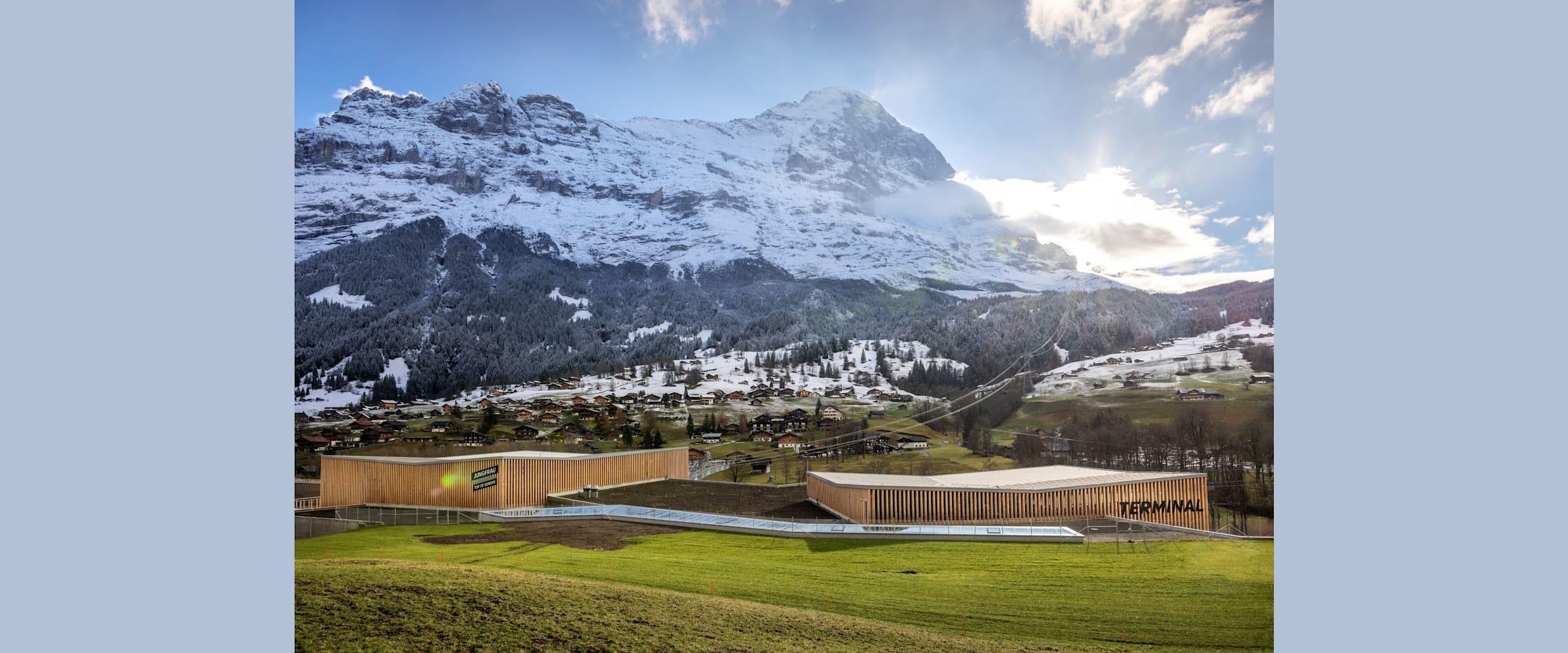 Grindelwald Terminal Parkhaus Weitansicht Eiger Herbst kleiner