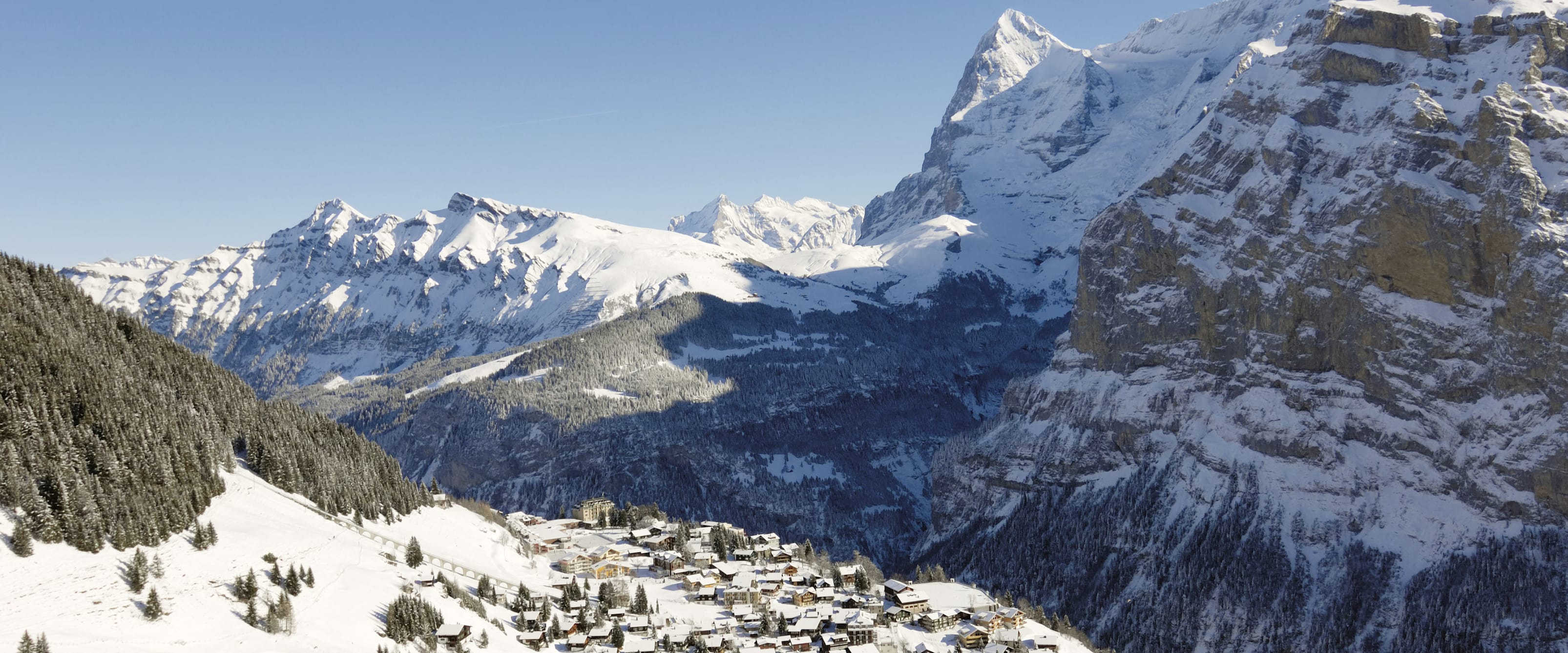 Muerren Winter Schnee Eiger Moench Panorama