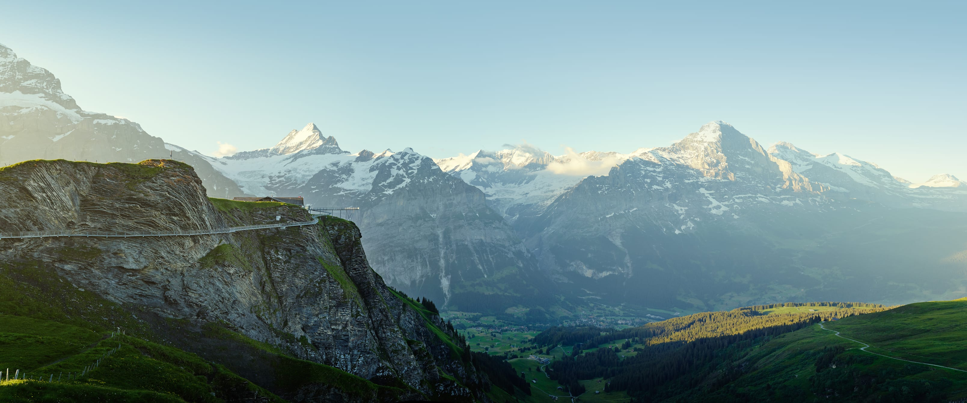 Grindelwald First Sommer Cliff Walk Eiger Moench Jungfrau