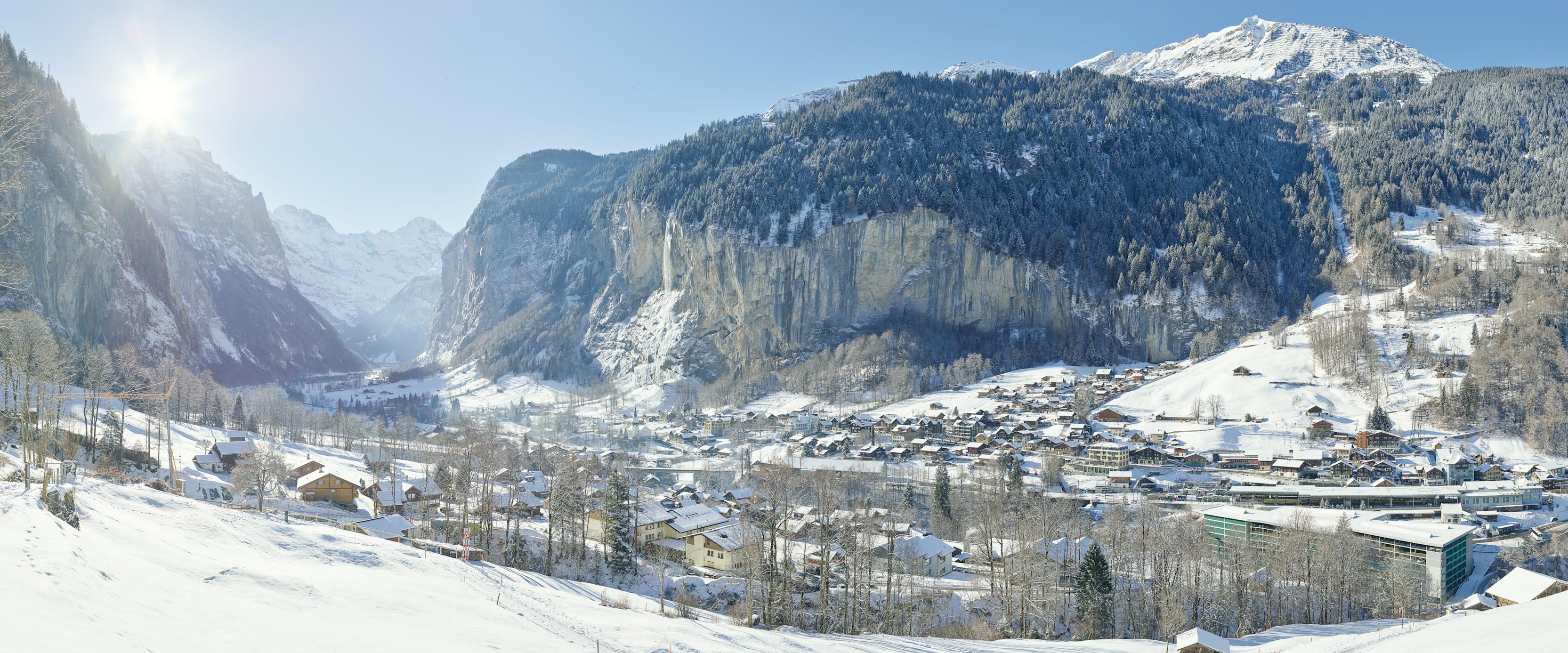 Lauterbrunnen Winter Staubbachfall Panorama