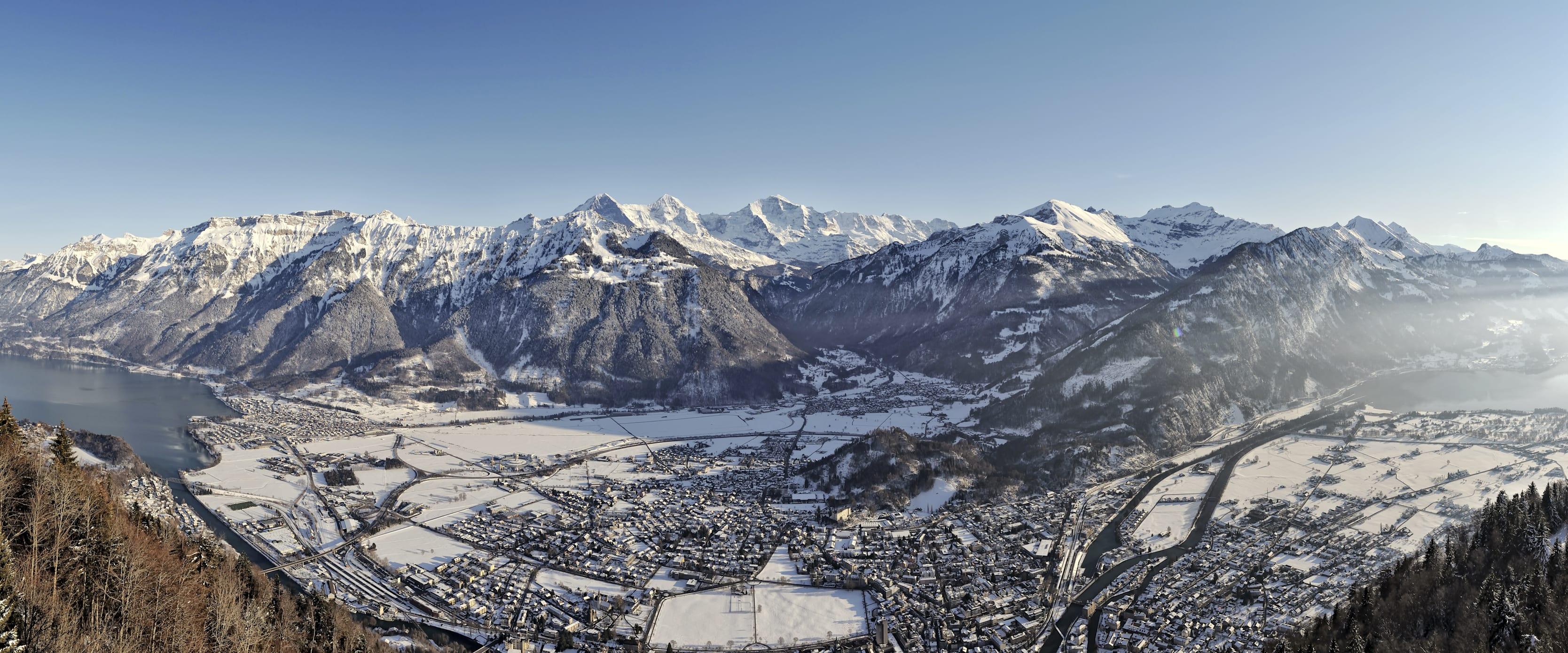 Boedeli Interlaken Winter Panorama Brienzersee