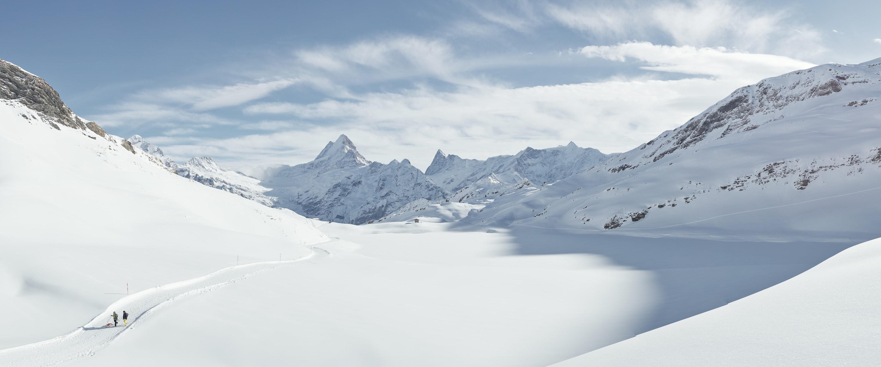 Winter walking Grindelwald Lake Bachalpsee Schreckhorn