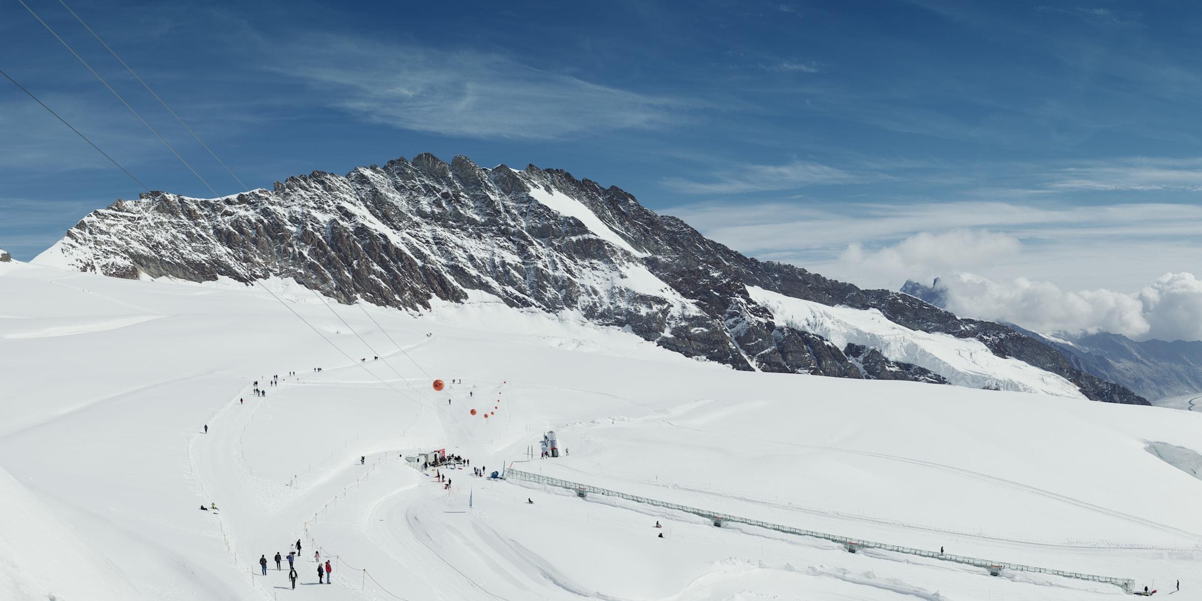 Jungfraujoch Snow Fun Park Adventure Panorama Gletscher