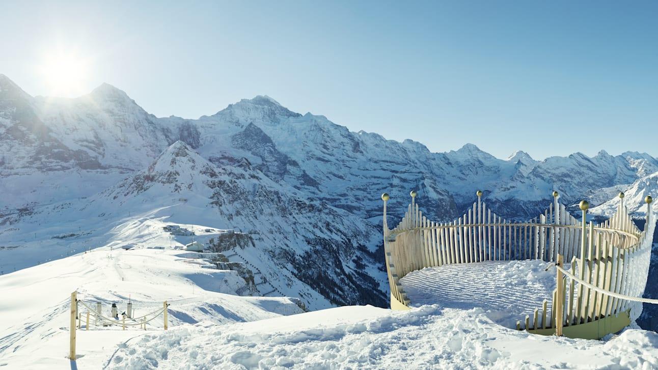 Maennlichen Hiking Royal Walk Eiger Moench Jungfrau Winter