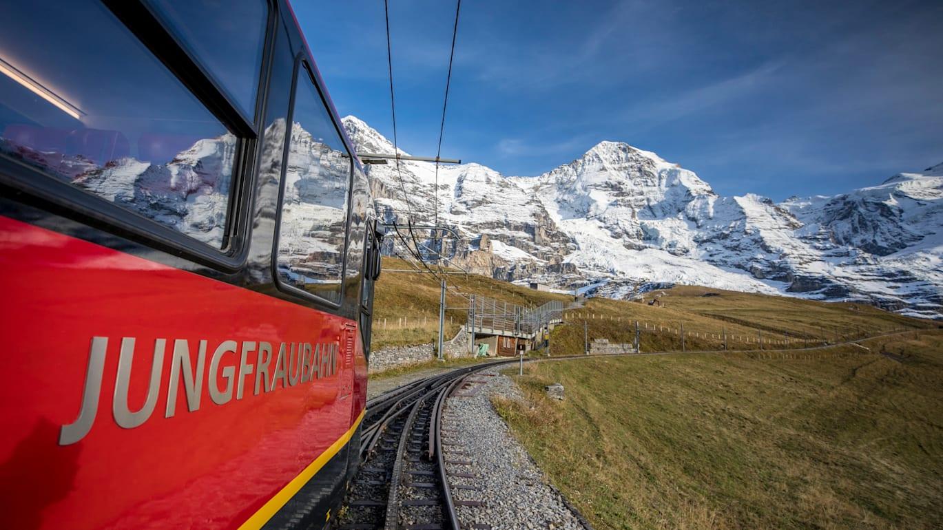 Jungfraubahn unterwegs by davidbirri