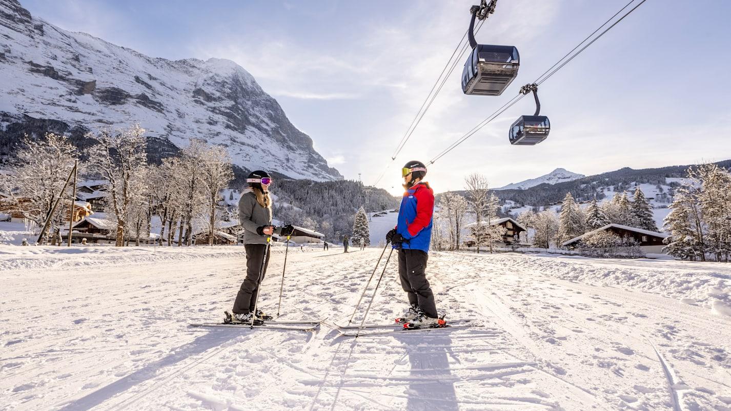 Skifahrer Eiger Express Abendstimmung