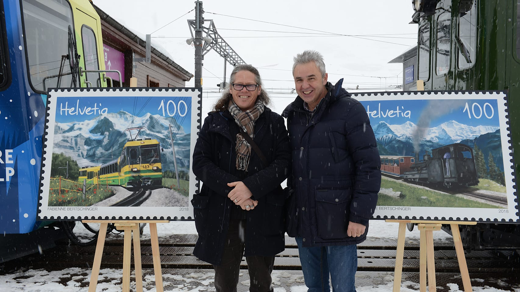 Bernhard Kallen l und Urs Kessler nach der Enthuellung auf der Kleinen Scheidegg