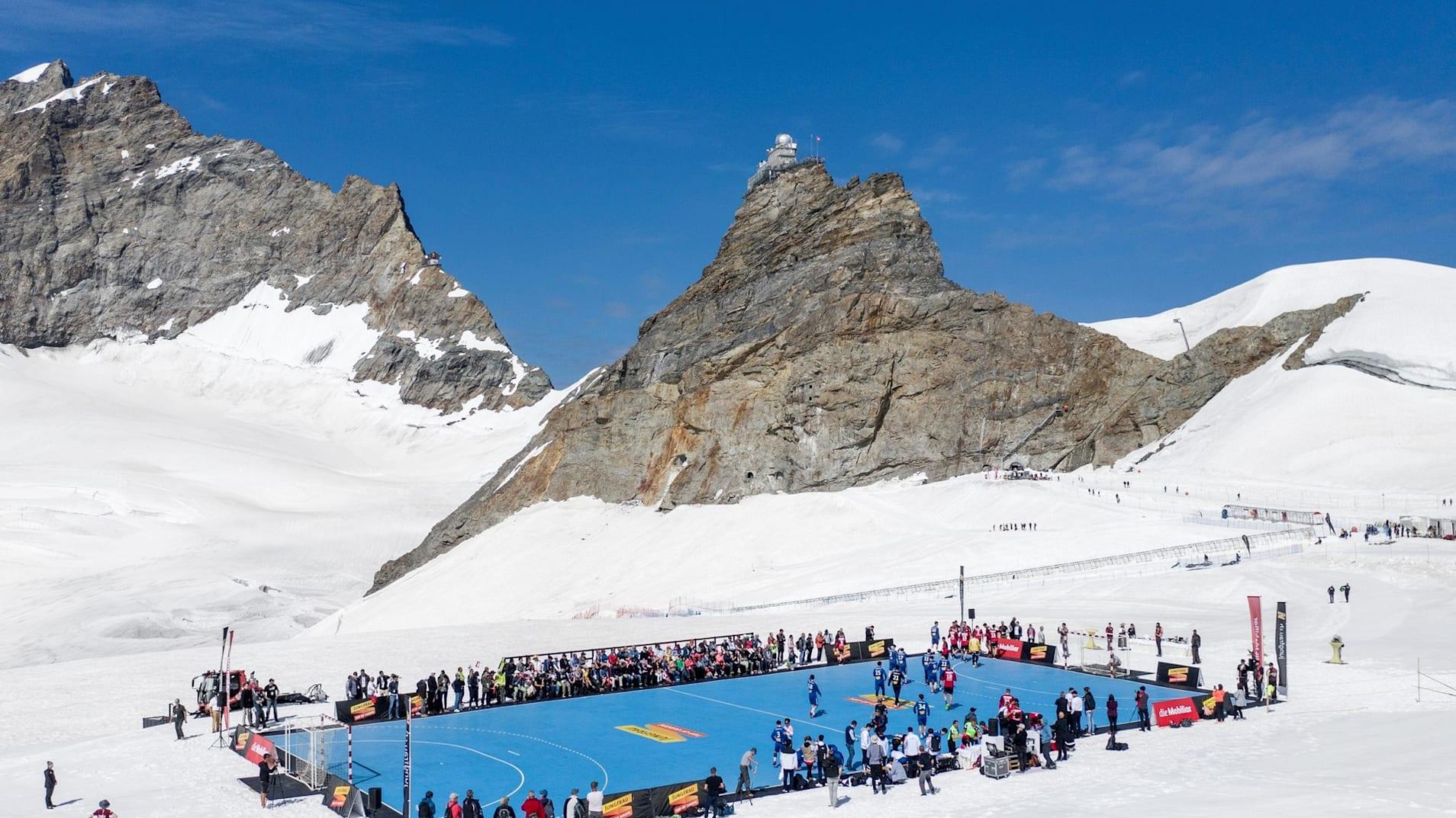 Handball 4 Handballfeld auf dem Jungfraujoch