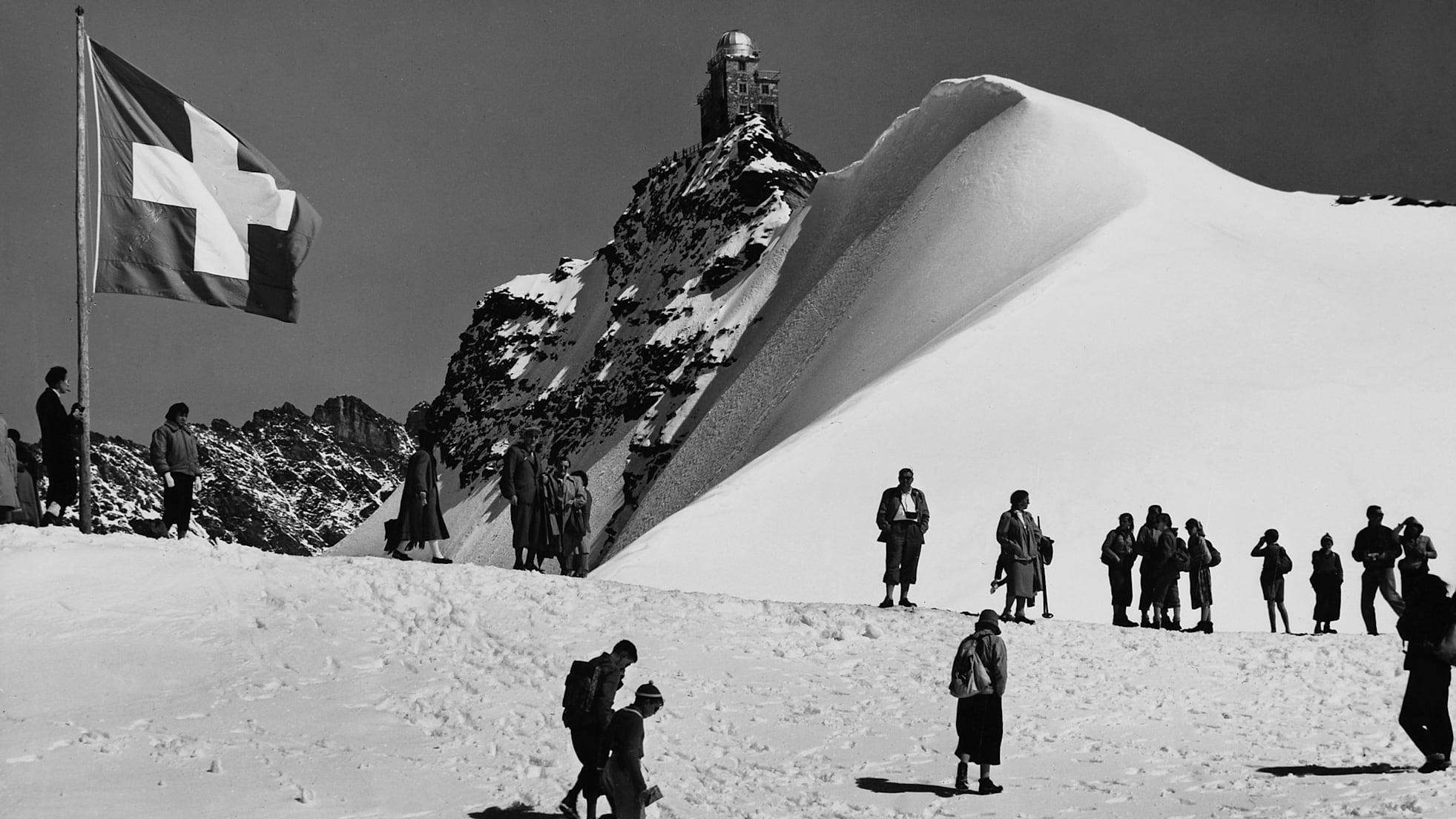 Jungfrau bahn nostalgie jungfraujoch plateau hinten sphinx