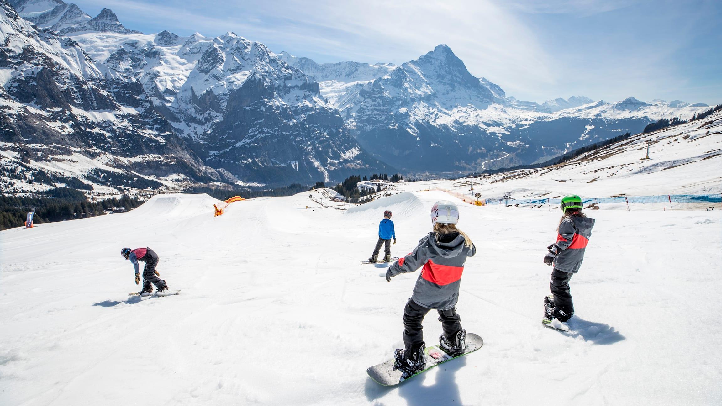 Grindelwald, Jungfraubahnen, Winter, Eiger, First, Grindelwaldfisrt, Wintersports, Kids, Kinder, Snowboarden, WhiteElements