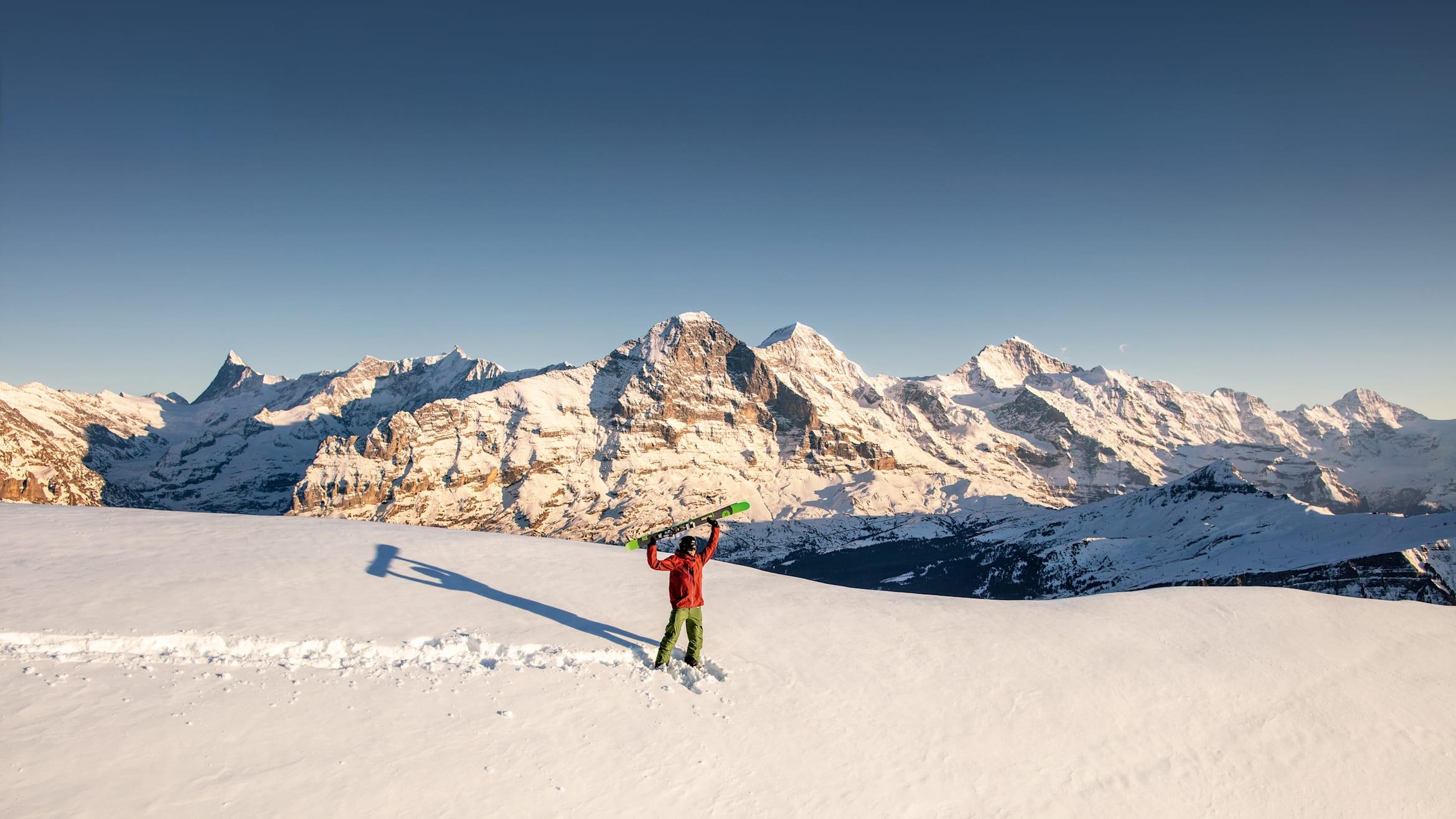 2020 Heroshot Ski View to the left Eiger Moench Jungfrau cmyk compressed