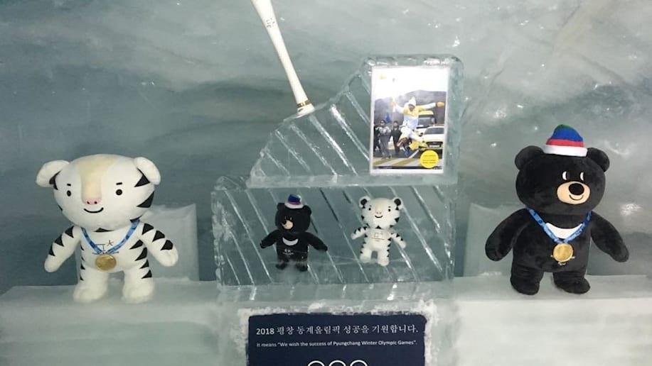 Olympische Fackel im Eispalast auf dem Jungfraujoch