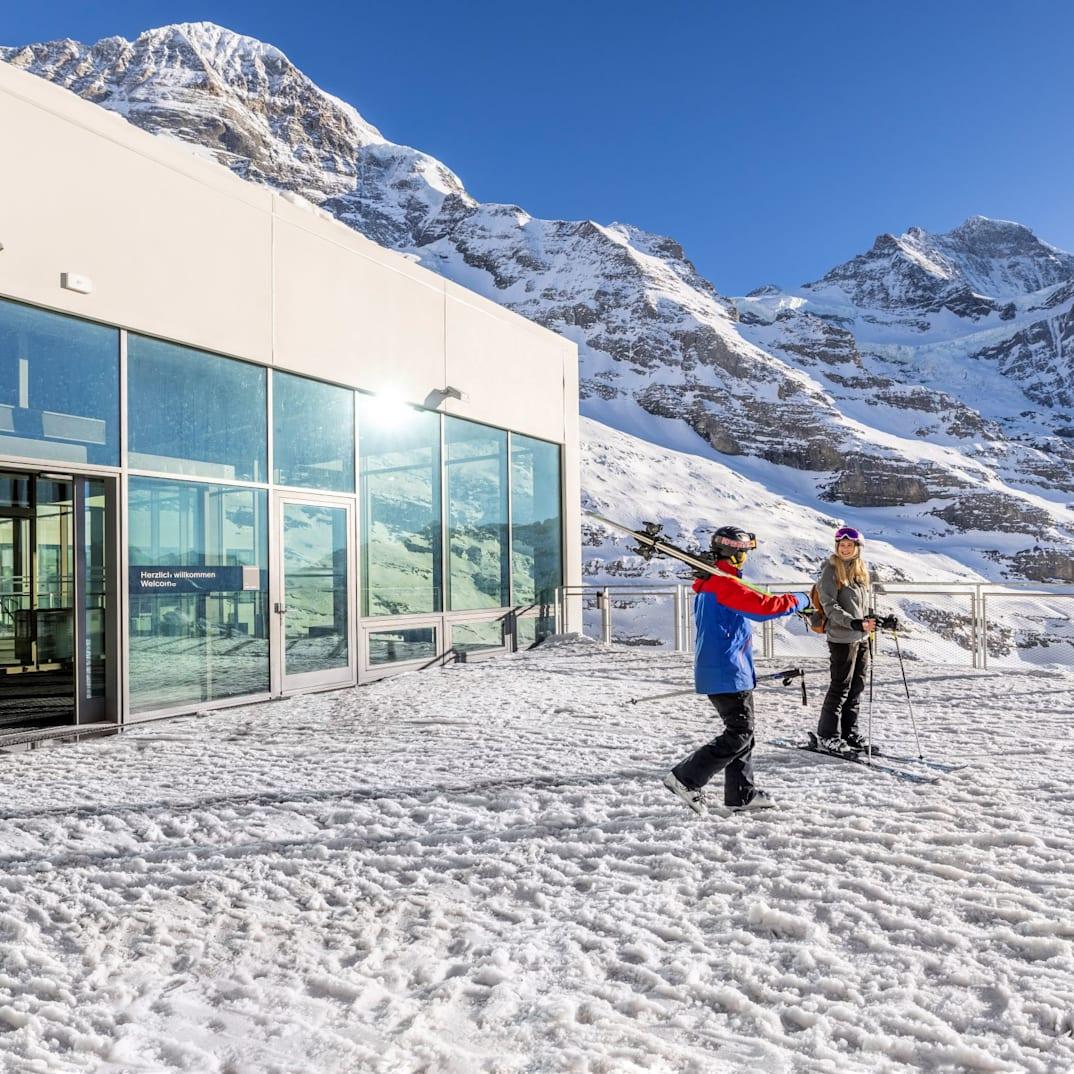 Eigergletscher Ausgang Skipiste Moench Jungfrau kl