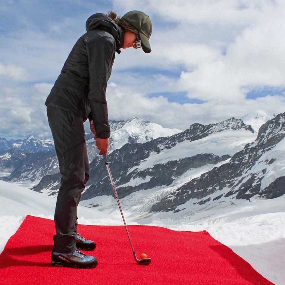 Erlebnisse-Aktivitaeten, Hole in One by Omega, Jungfraujoch-Top-of-Europe, jungfrau.ch
