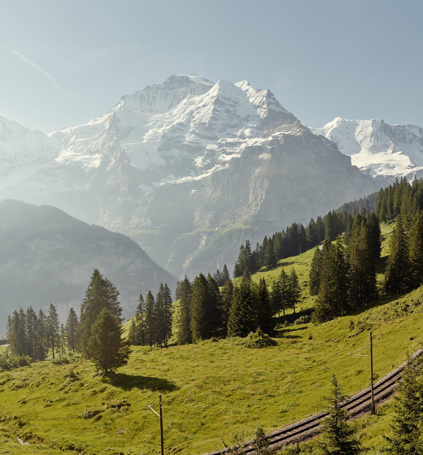 Winteregg Muerren Sommer Eiger Moench Jungfrau Panorama