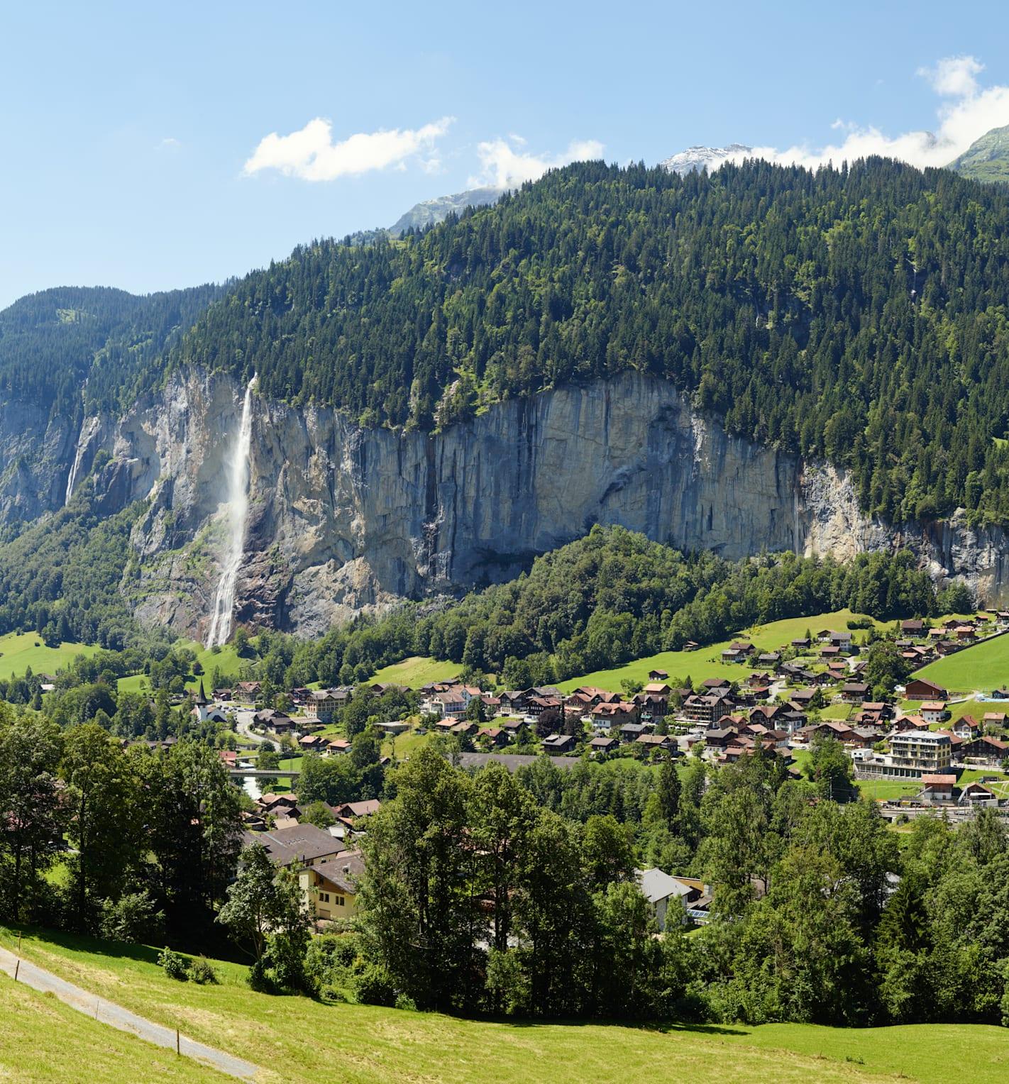 Lauterbrunnen Sommer Staubbachfall Berner Alpen