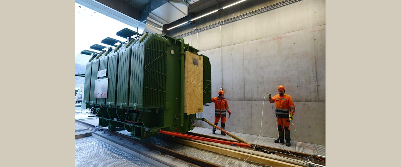 Verschiebung des Trafos auf Schienen in Terminal
