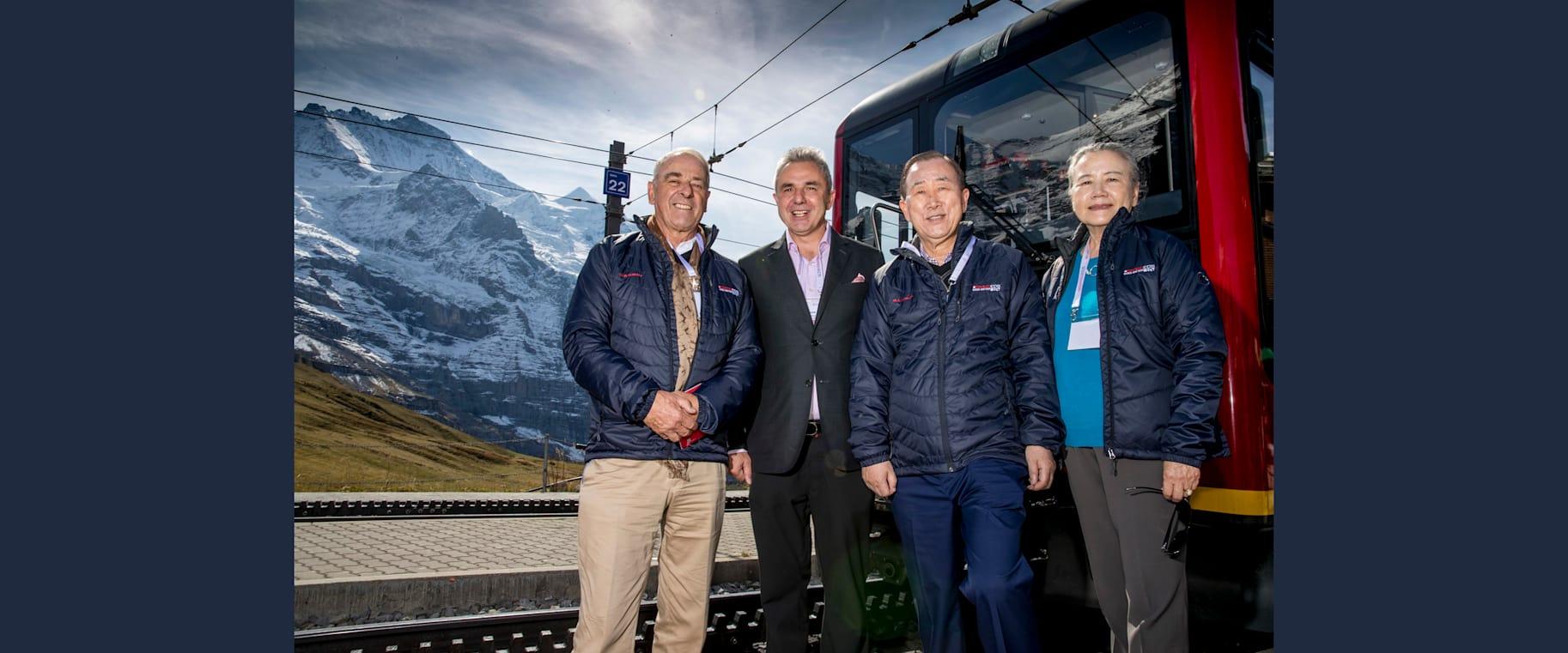 Adolf Ogi Urs Kessler Ban Ki moon mit Ehefrau Yoo Soon taek Jungfraubahn Kleine Scheidegg