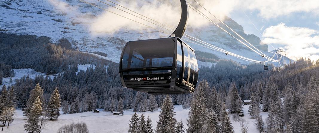 Eiger Express Grindelwald Eigernordwand Nahansicht Winter