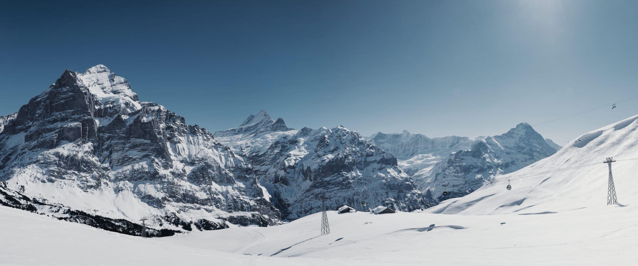 Grindelwald First Gondelbahn Schnee Wetterhorn Eiger