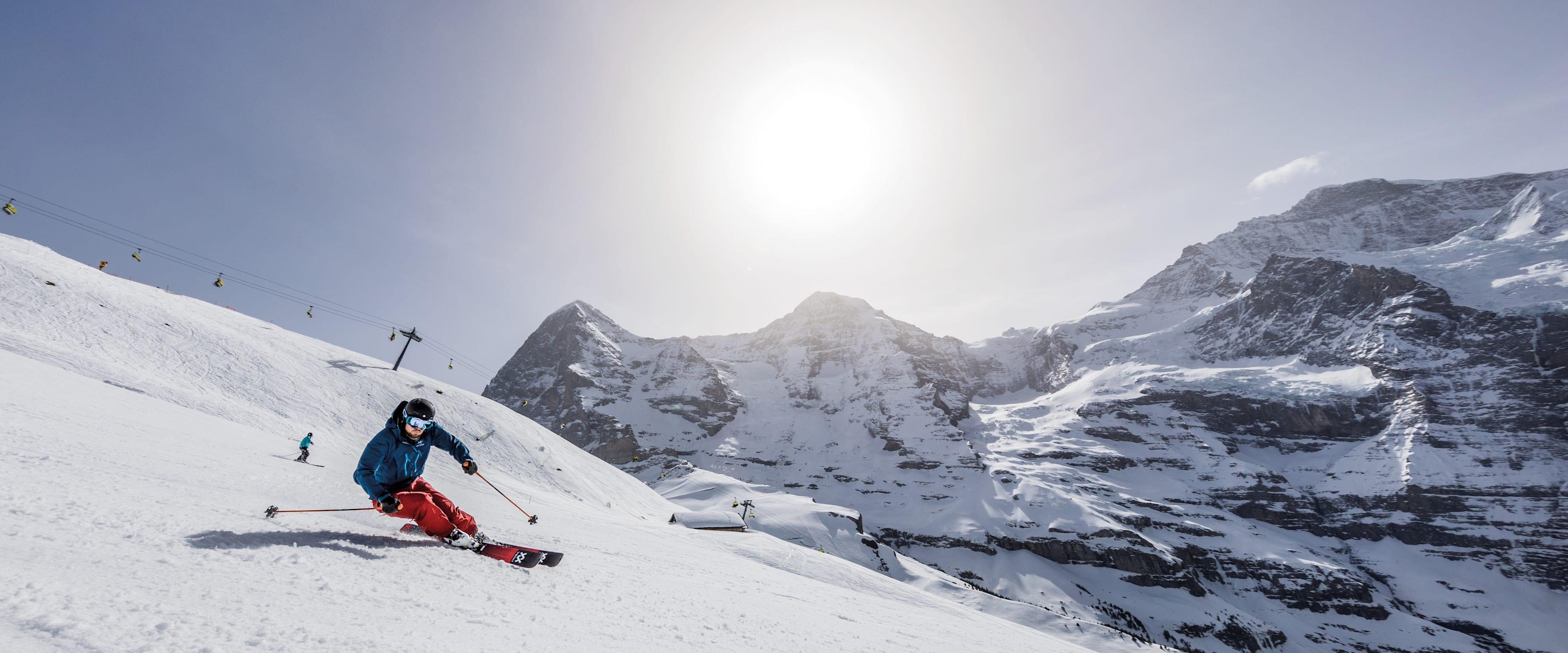 Kleine Scheidegg Lauberhorn Skifahrer Eiger Moench Jungfrau