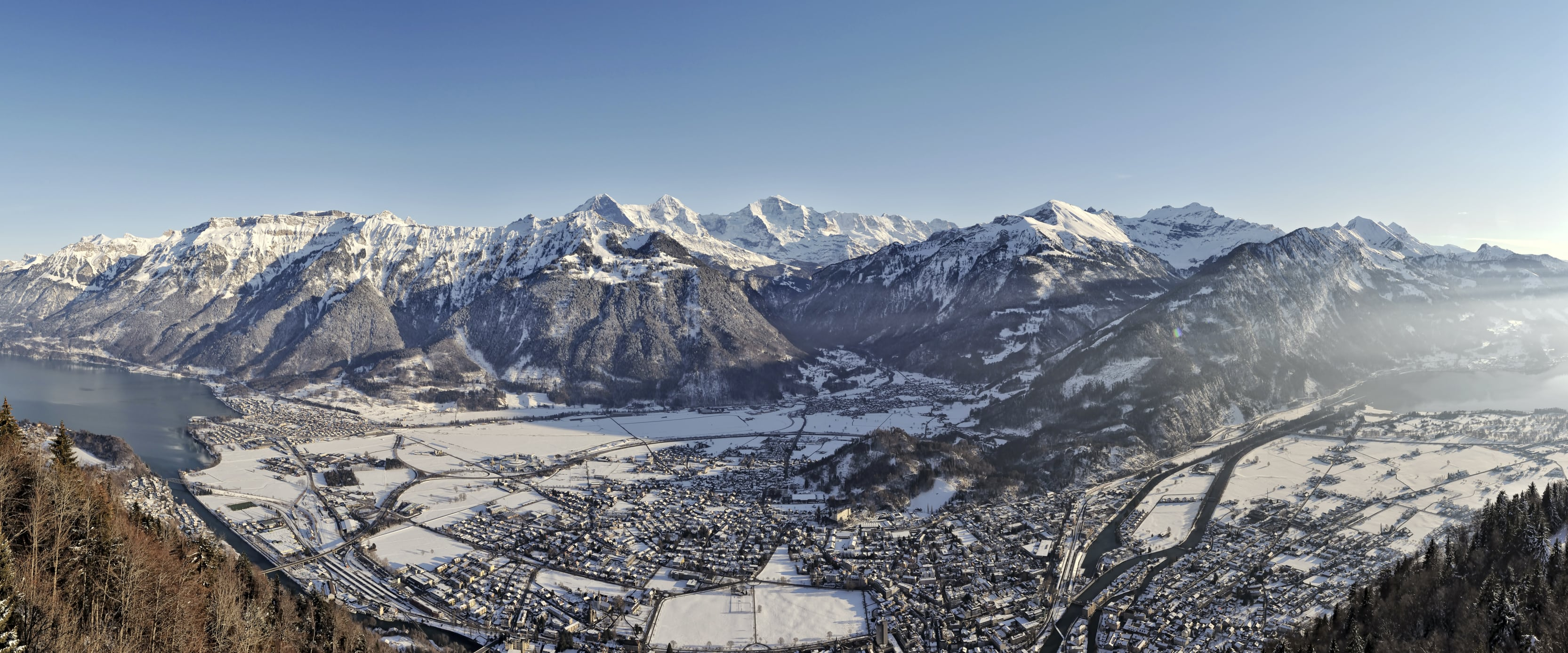 Boedeli Interlaken Winter Panorama Brienzersee