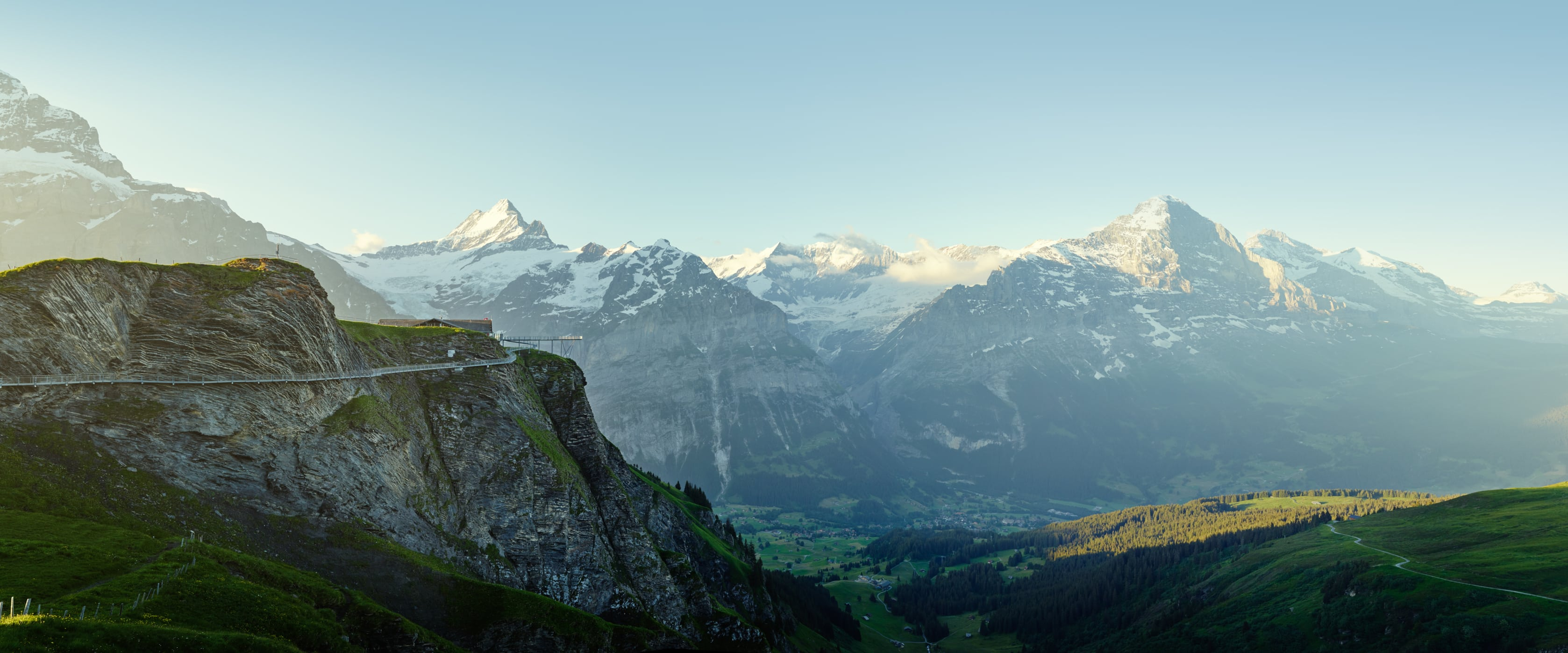 Grindelwald First Sommer Cliff Walk Eiger Moench Jungfrau