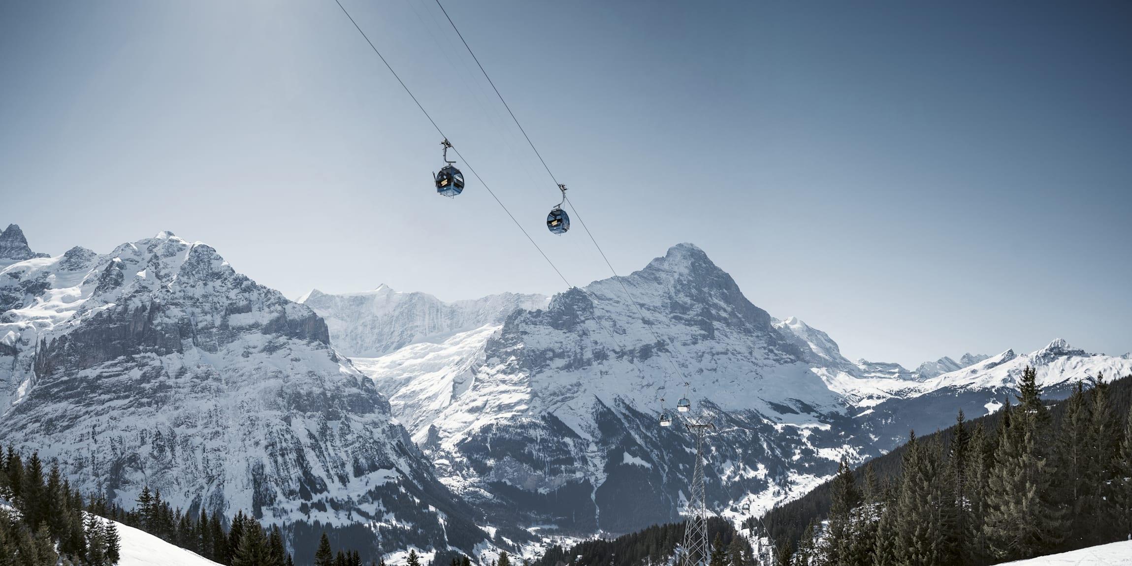 Grindelwald First Eiger Schreckhorn Firstbahn Schnee