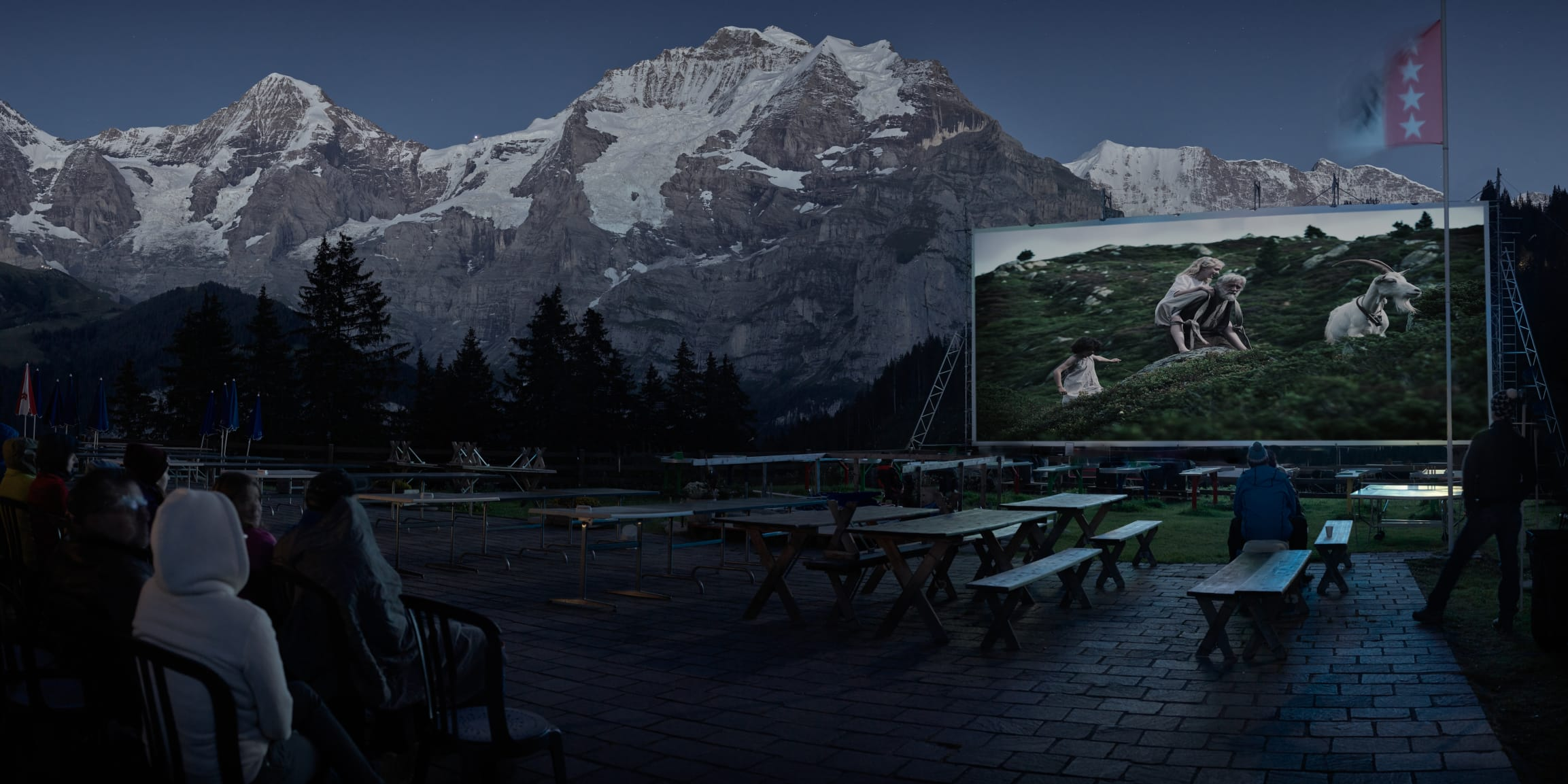 Winteregg Movie Nights Restaurant Terrasse Moench Jungfrau Sommer