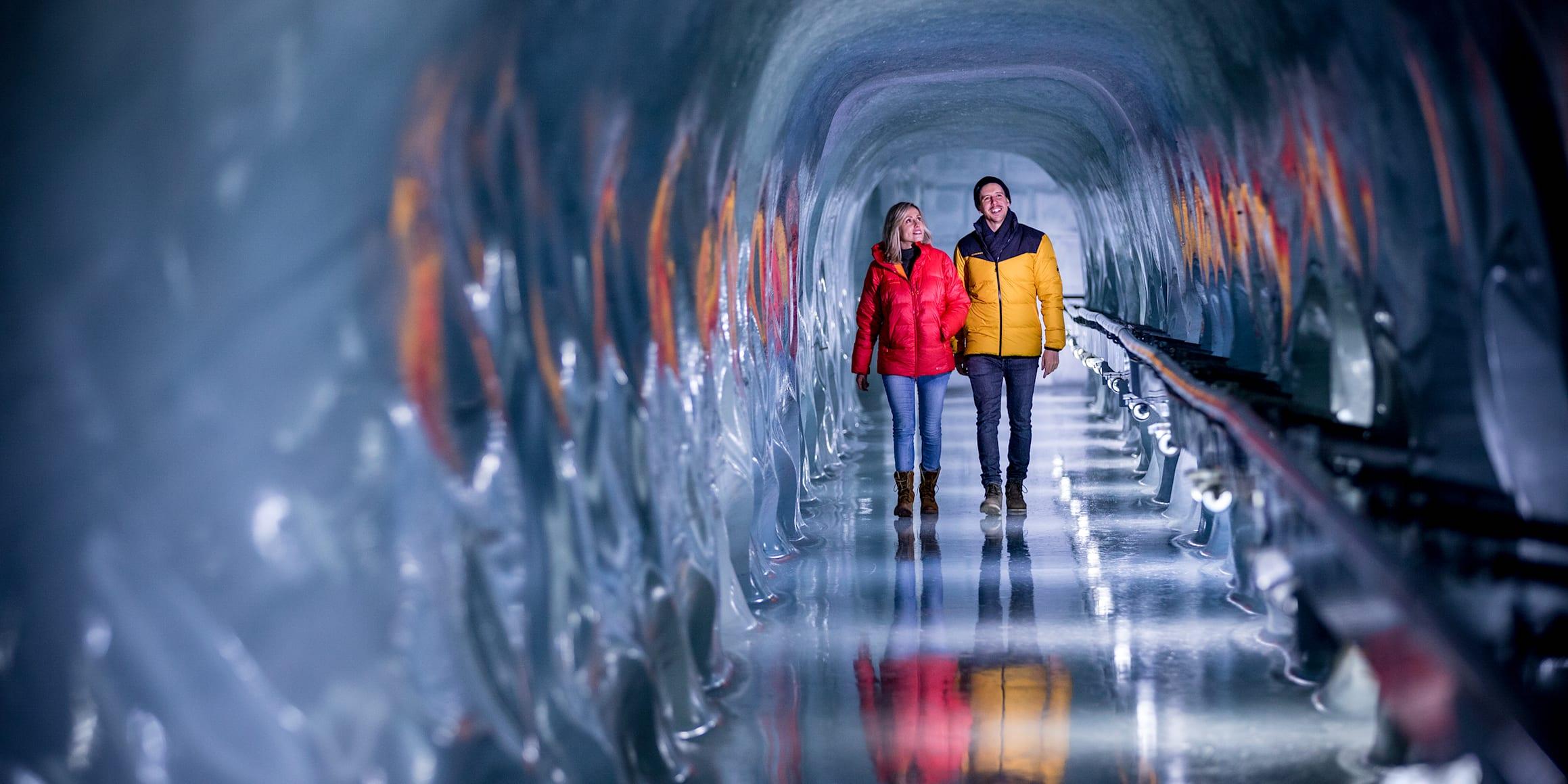Jungfraujoch Eispalast Eisskulpturen Gletscher