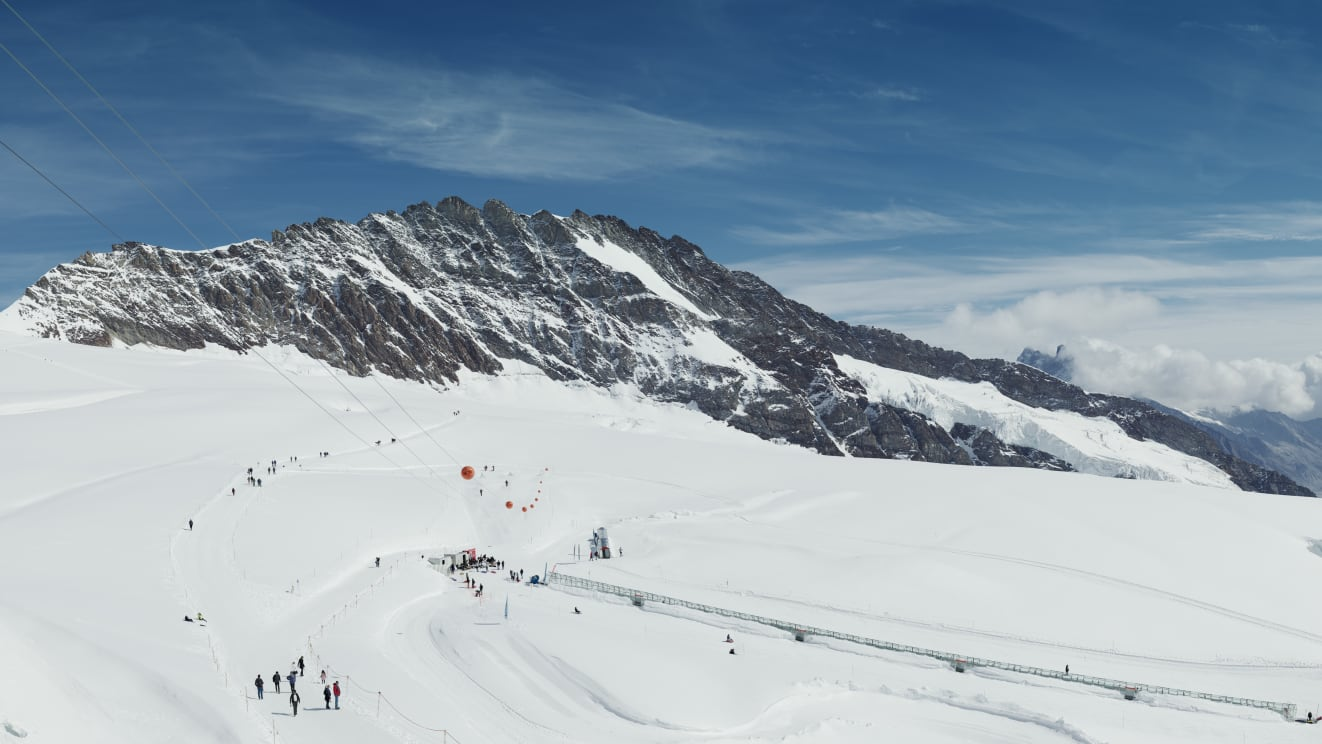 Jungfraujoch Snow Fun Park Adventure Panorama Gletscher