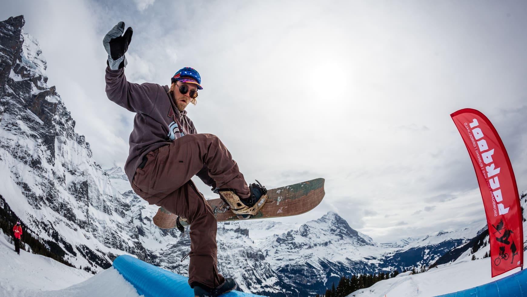 Snowpark Grindelwald First Snowboard Gino EasterSurfDays