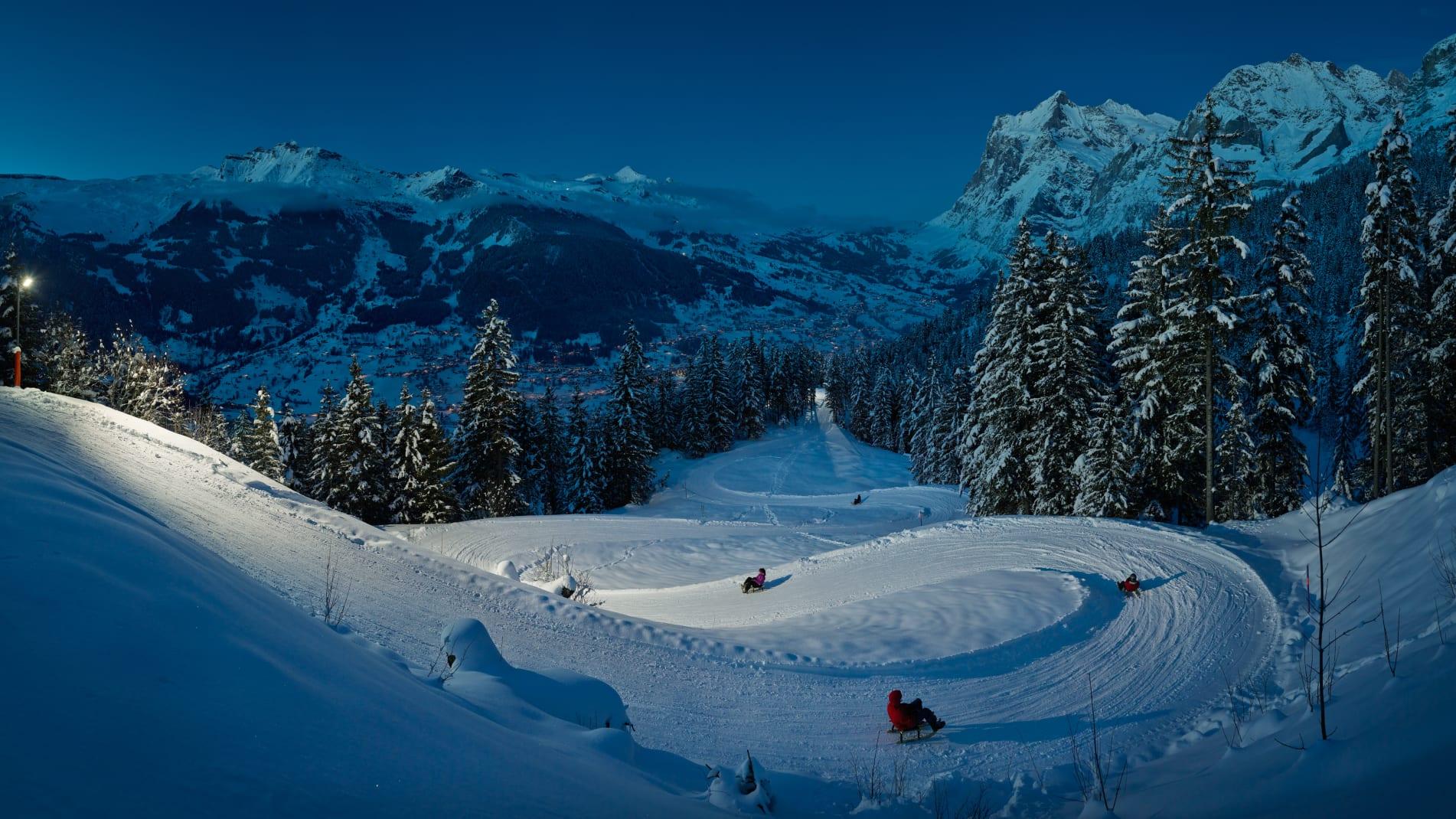Bussalp Restaurant Eigernordwand Moench Jungfrau Winter