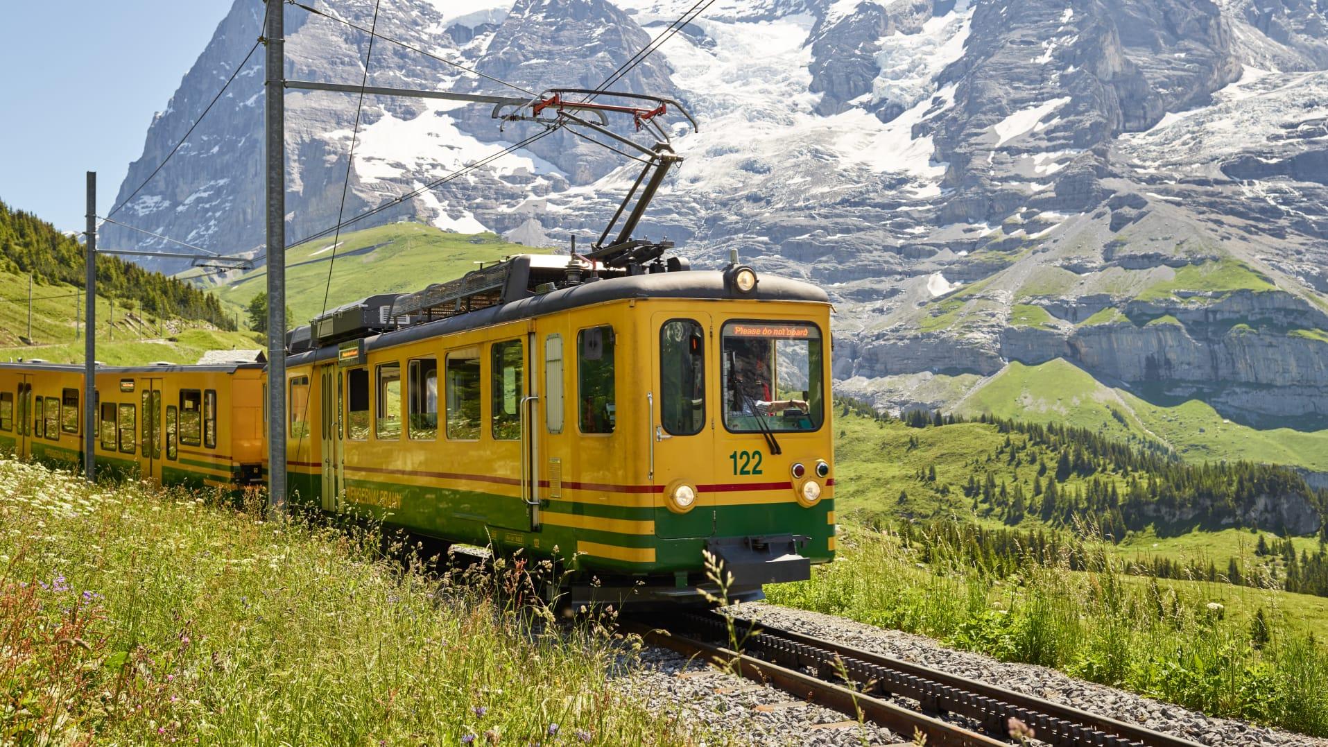 Wengernalpbahn Sommer Eiger Moench Kleine Scheidegg
