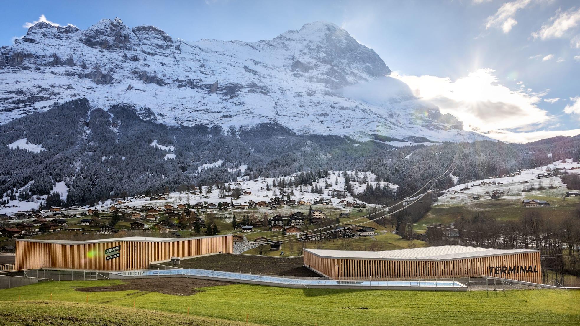 Cable car, aerial gondola, winter, gondola, Switzerland, Bernese Oberland, Jungfrau, jungfrau railways, Eiger, Grindelwald, v-cableway, tricable gondola, Switzerland, November, cable car, terminal, transport