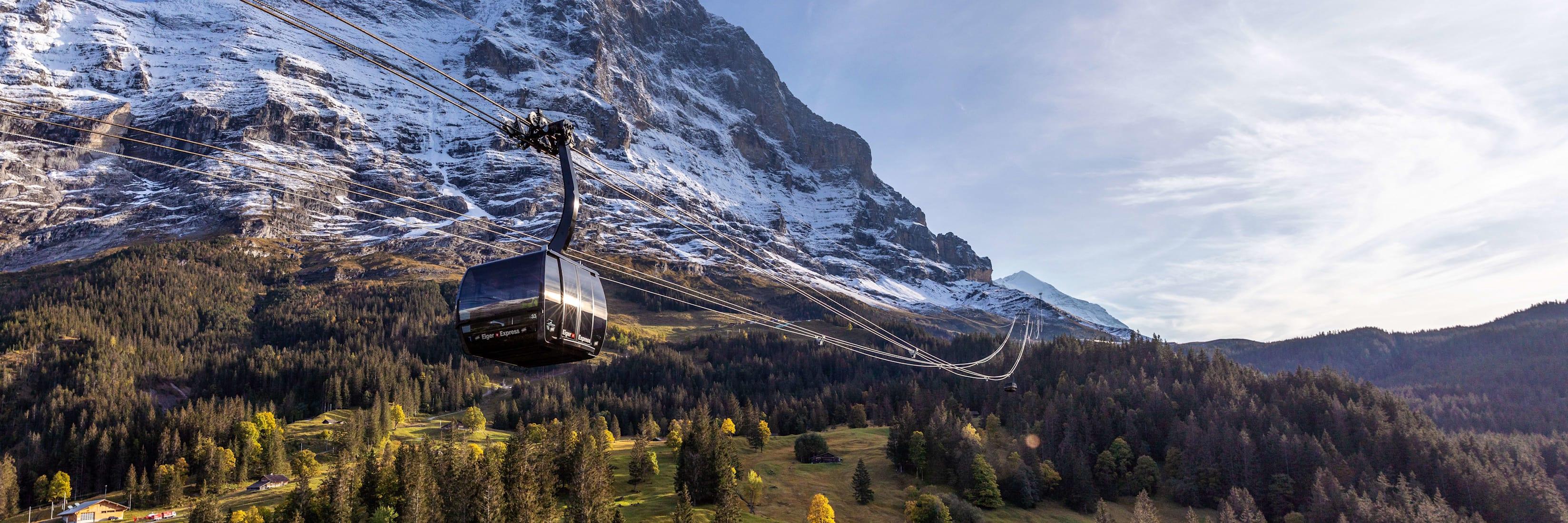 Eiger Express Grindelwald Eigernordwand Weitansicht Reflektion